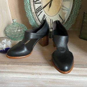 ELF Leather Booties Boots Shoes NEW Women's 8.5